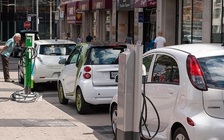 Electric vehicles reduce utility bills, vehicle expenses, and our reliance on fuel. (nrdc.org)