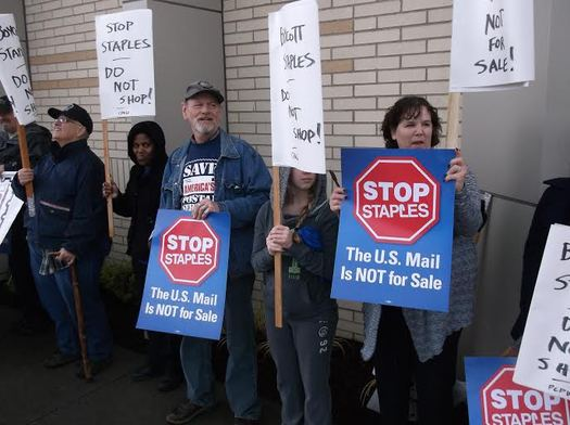 PHOTO: Minnesota labor officials say putting postal service in Staples stores is an attempt to privatize the mail and take away middle-class jobs. Photo credit: Jamie Partridge.
