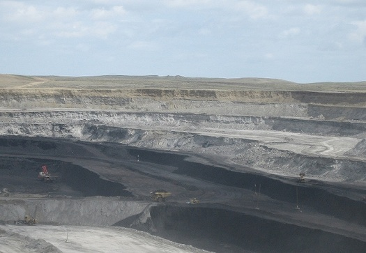 "PHOTO:  A report from the Sightline Institute calls for BLM to recalculate ""fair market values"" for coal, based on growing export markets. Photo credit: United States Geological Survey (USGS)"