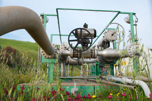 PHOTO: A new Environmental Defense Fund report says methane mitigation, or finding and fixing leaks in gas pipelines and at well sites, is creating good, local jobs as well as protecting the environment. Photo credit: ollirg/iStockphoto.com.