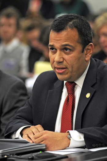 PHOTO: Doctor-turned-state lawmaker Sen. Ralph Alvarado says Kentucky needs a statewide, indoor smoke-free law. A bill prohibiting smoking in all public places and workplaces is now before the House. Photo courtesy LRC Public Information.