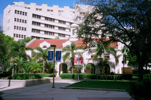 "PHOTO: Jackson Memorial in Miami, Florida's largest public hospital system, stands to lose $237 million if the federal government cuts off so-called ""LIP"" funding. IMAGE CREDIT:  Flickr Creative Commons/Phillip Pessar"