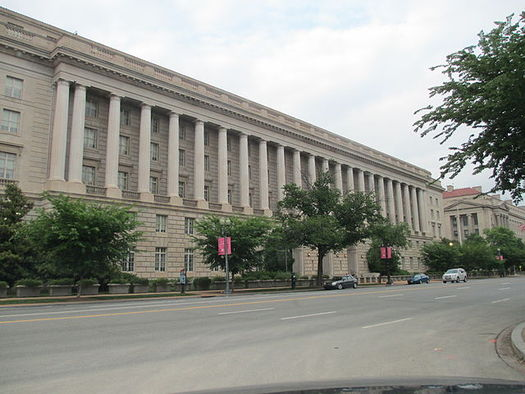 PHOTO: The Internal Revenue Service (pictured) will not collect up to $600 billion from dozens of U.S. multinationals using tax havens, according to a new report. At the end of 2014, 304 Fortune 500 companies collectively held $2.15 trillion in countries like Bermuda, the Cayman Islands, and the Bahamas. Joshua Doubek/Wikimedia Commons.