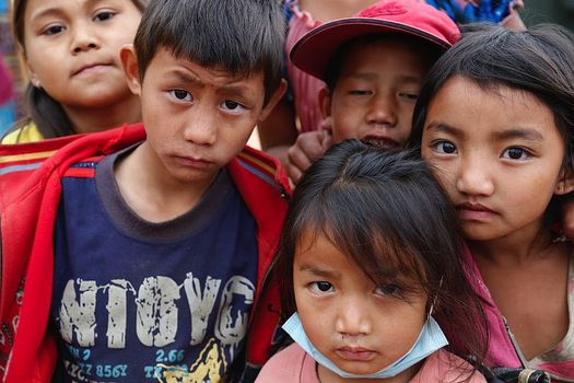 Photo: Local villagers from Chautara, north east of Kathmandu, are in need of food and supplies. BBB and others are advising people how they can make sure their money gets to the victims. Photo credit: Jessica Lea/Wikimedia Commons