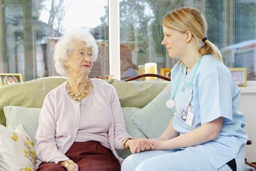 En el estado de Washington, una nueva ley exigir� que los hogares de retiro tengan suficiente personal en servicio para darle a cada residente 3.2 horas diarias de atenci�n directa, a partir de julio del 2016. Cortes�a de la University of South Florida.