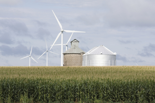 According to the Center for Rural Affairs, the process of permitting new wind energy projects could be streamlined with a single source of approval. Credit: axnjax.