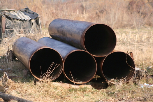 Lawmakers want an outside agency to do the risk assessment of a natural gas pipeline expansion project. Credit: Ian Beeby/freeimages.com