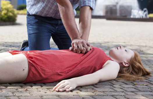 Bystander CPR can double or even triple the odds of survival for a cardiac arrest victim. Credit: Katarzyna Bialasiewicz