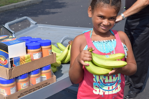 The Ohio Association of Foodbanks distributed shelf stable meals and fresh produce as part of rural delivery meals and mobile farmers markets this summer. Credit: Ohio Association of Foodbanks