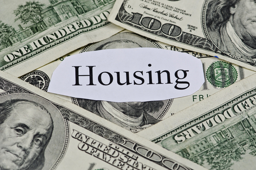 A new study finds almost three-quarters of Illinois public housing authorities have closed waiting lists for housing vouchers.