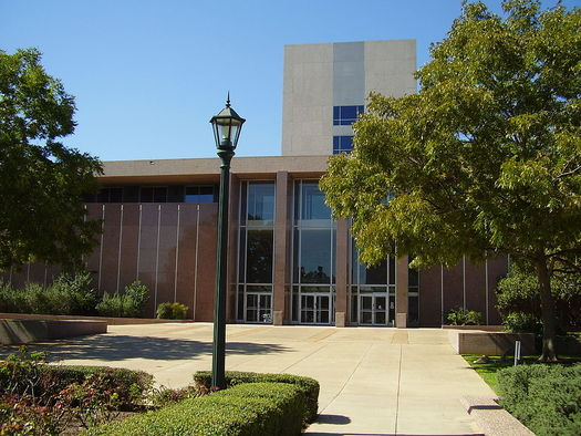 The Texas Supreme Court building. The court has established a new commission to help more low-and-middle income Texans access civil legal services. Credit: WhisperToMe/Wikimedia Commons
