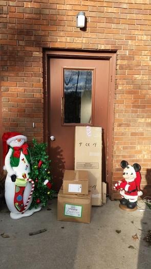 Empty houses are a target for thieves, and packages left sitting on porches are a sure sign nobody's home. (Veronica Carter)