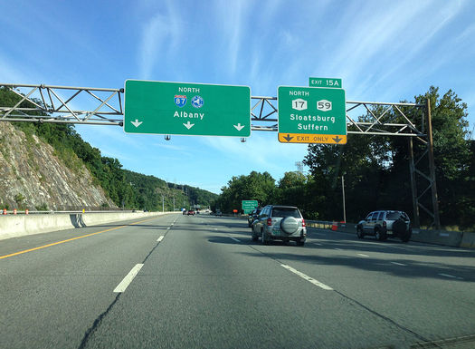 The proposed pipeline would follow the New York State Thruway from Albany to New Jersey. (Famartin/Wikimedia Commons)