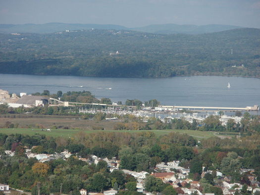 The plant was proposed for Haverstraw, N.Y., 3.5 miles from the Indian Point Nuclear Power Station.  (Alexisrael/Wikimedia Commons)