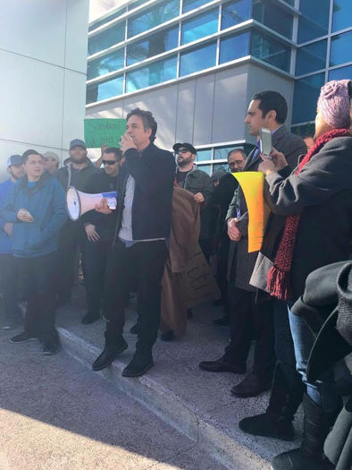 Actor Mark Ruffalo speaks to the crowd outside the Nevada Public Utilities Commission on Wednesday. (Chispa)
