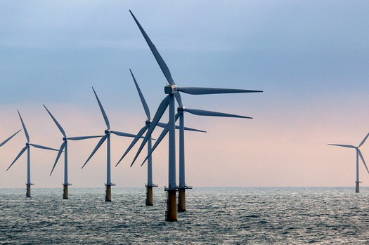 Environmentalists say offshore wind is one missing piece of the New York energy plan. (Ad Meskens/Wikimedia Commons)