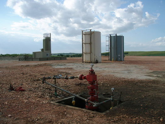 The industry reported almost 115,000 tons of methane emissions in 2014. (Joshua Doubek/Wikimedia Commons)