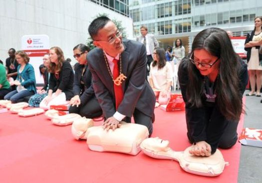 The American Heart Association and other organizations are trying to pass legislation in Wisconsin to ensure all students learn compression-only CPR. (heart.org)