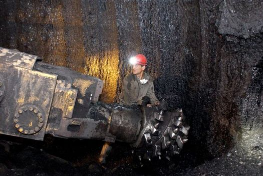 The U.S. Department of the Interior's announcement to stop new coal leases on public lands could have a big impact on workers. (Farber/Wikimedia Commons)