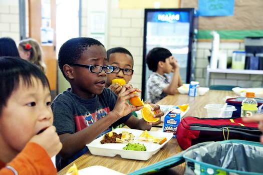 114,000 Connecticut children live in poverty. (Amanda Mills, USCDCP/public-domain-image.com)