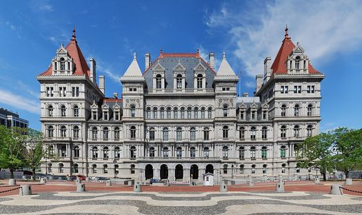 NYSUT says the state should use its $5.4 billion surplus to invest in education. (Matt H. Wade/Wikimedia Commons)