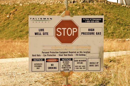 Critics say legislation to allow fracking in the state is moving too quickly. (Ostroff Law//Wikimedia Commons)
