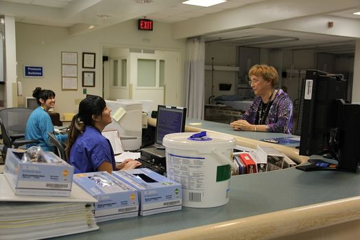 A new report shows states that expanded Medicaid coverage lowered costs, increased revenues and reduced the number of workers without health insurance. (Candice Harrison/Wikimedia Commons)