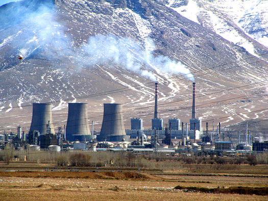 Colorado's governor says the state won't back down on its efforts to reduce climate pollution, even though the U.S. Supreme Court has temporarily blocked implementation of the EPA's Clean Power Plan. (Mohsan Dabiri-e Vaziri/Wikimedia Commons)