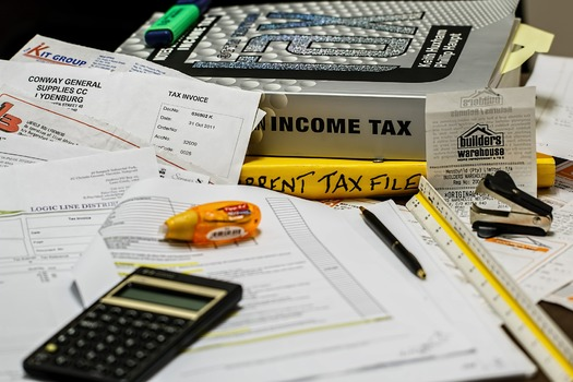 Filing income tax returns can feel overwhelming, but free help is available for many in Michigan. (stevepb/pixabay)