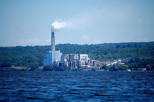 Cayuga is one of the few remaining coal fired plants in New York state.  (Philip Cohen/Wikimedia Commons)
