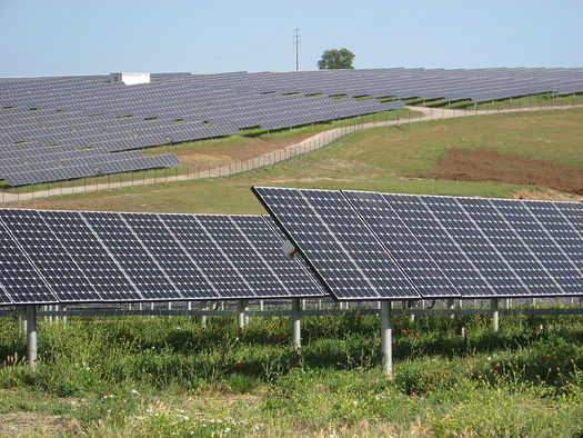 Hearings should begin in a couple of weeks on proposed legislation that backers say should boost solar projects in Maine by 10 percent over the next five years. (Ceinturion)