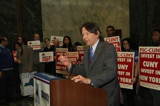 United University Professions president Frederick Kowal rallied with 400 faculty and staff in Albany on Thursday. (UUP)