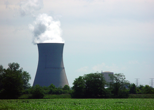 There are 38 nuclear reactors on the Great Lakes, and a Midwest watchdog group says more people need to get involved in efforts to protect water supplies. (click/morguefile)
