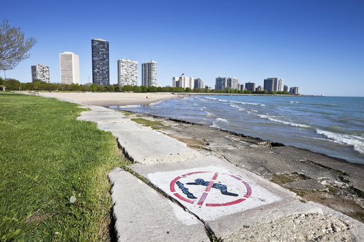 Conservationists want the presidential candidates to pledge their support for clean up funds for Great Lakes areas, including Lake Michigan's shoreline. (iStockphoto)