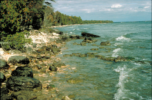 Wisconsin relies on the Great Lakes for recreation, tourism, drinking water and jobs. A diverse group of leaders wants all the presidential candidates to commit to restoring and protecting the Great Lakes. (epa.gov)