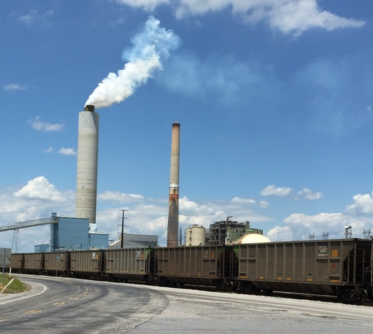 Brunner Island is the only coal�fired power plant in Pennsylvania without NOX controls. (Wendi Taylor and Cece Viti/Sierra Club)