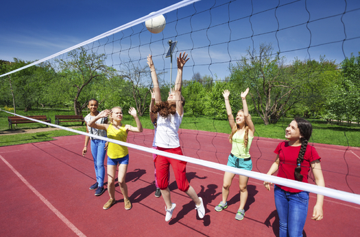 Young people who focus on excelling at a single sport are more likely to have knee and hip injuries than those who participate in multiple sports, says a new WISL study. (SerrNovik/iStockPhoto)