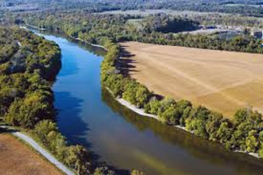 Two Indiana universities are working to keep fertilizers from ending up in local waterways, and have gotten recognition for their research from the White House. (in.gov)