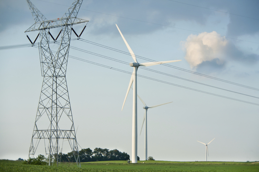 New numbers show Illinois has the highest number of clean-energy jobs in the Midwest. (iStockphoto)