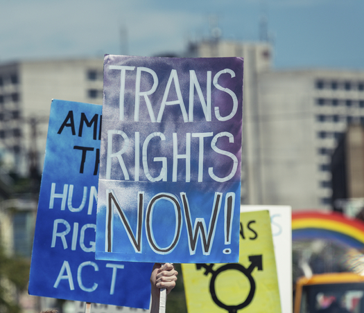 An Illinois civil rights group is praising state lawmakers for advancing a bill to make birth certificate changes easier for transgender people. (iStockphoto)
