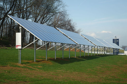 Pennsylvania's clean energy sector employs more than 57,000 people at 4,200 businesses. (USDA/Wikimedia Commons)