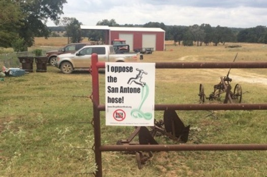 A landowner in Burleson County posts a sign opposing the Vista Ridge water pipeline project, which would pump billions of gallons from a local aquifer 142 miles to San Antonio. (SOS Alliance)