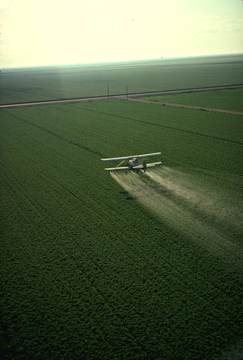 The Washington State Department of Agriculture investigated 123 potential violations of the state's pesticide laws. (Charles O'Rear/United States Department of Agriculture)