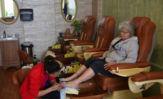 About 652 New York nail-salon workers will receive $2 million in unpaid wages and damages. (Tuongtp/Wikimedia Commons)