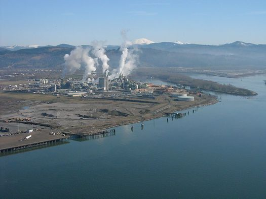 At full strength, a proposed coal-export terminal in Longview would ship 44 million tons of coal overseas each year. (Sam Beebe/Ecotrust)