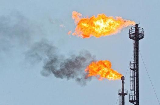 El flameo es usado para quemar el exceso de gas en un sitio de extracci�n de gas. Este martes, California propuso inspecciones para evitar fugas. (Environmental defense Fund)