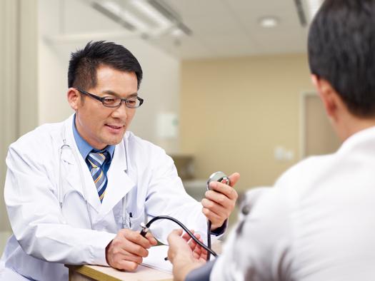Los Centros de salud Comunitaria de Colorado están haciendo grandes contribuciones a la economía y la salud del estado. (imtmphoto/iStockphoto)