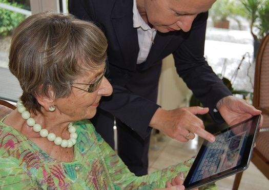 Case managers and home-care services help seniors live independently longer. (Sigismund von Dobsch�tz/Wikimedia Commons)