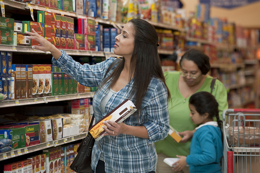 A new report says just an extra $30 a month per person in SNAP benefits would help lower-income families afford healthier meals. (usda.gov)