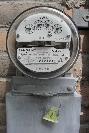 Bay State consumers could save at the utility meter with a cost effective clean power plan, according to a new report. (Kristoferb via wiki)